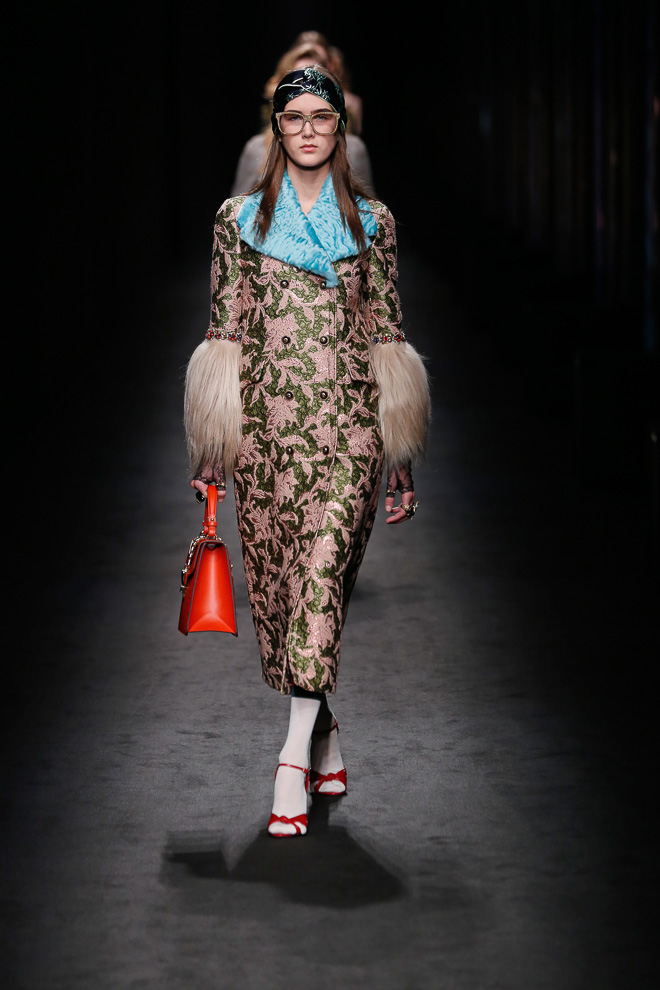 http://www.fashionsnap.com/collection/gucci/2016-17aw/gallery/index20.php