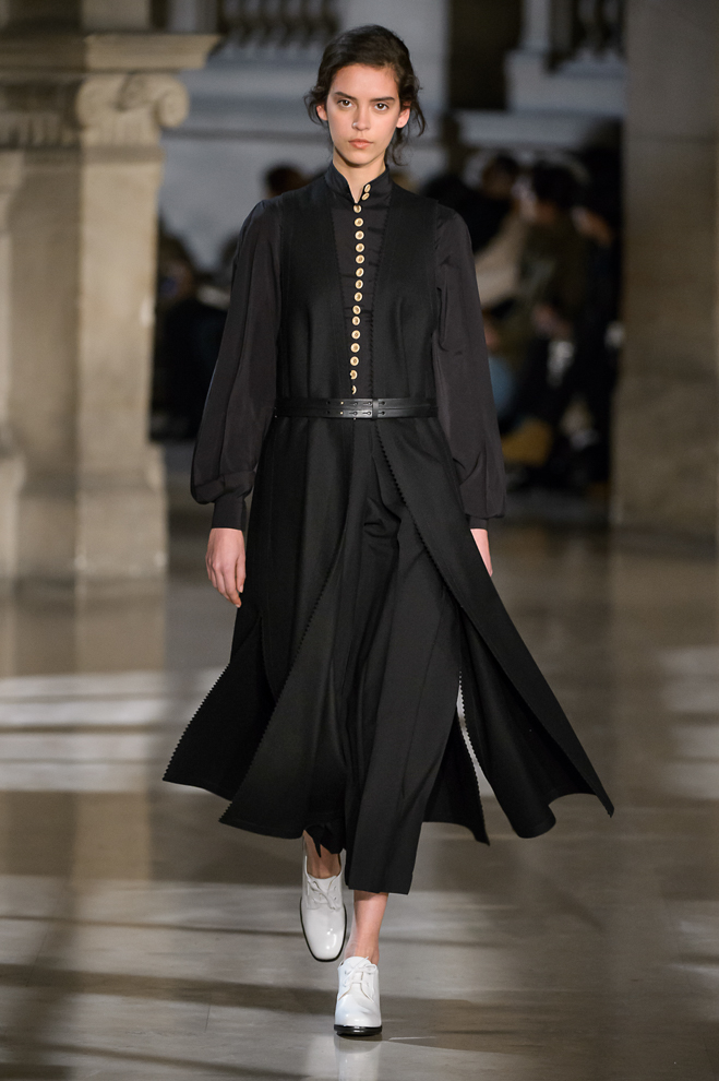 http://www.fashionsnap.com/collection/lemaire/womens/2016-17aw/gallery/